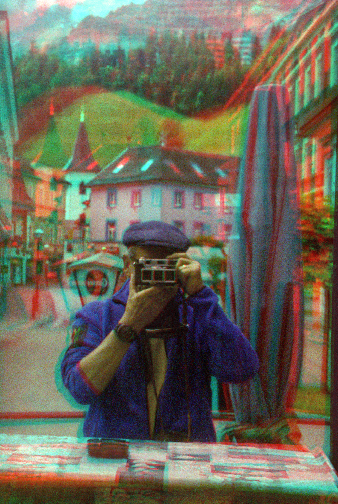 Self portrait in Eisenerz (Austria) taken with the Retina IIIC and the Kodak stereo adapter