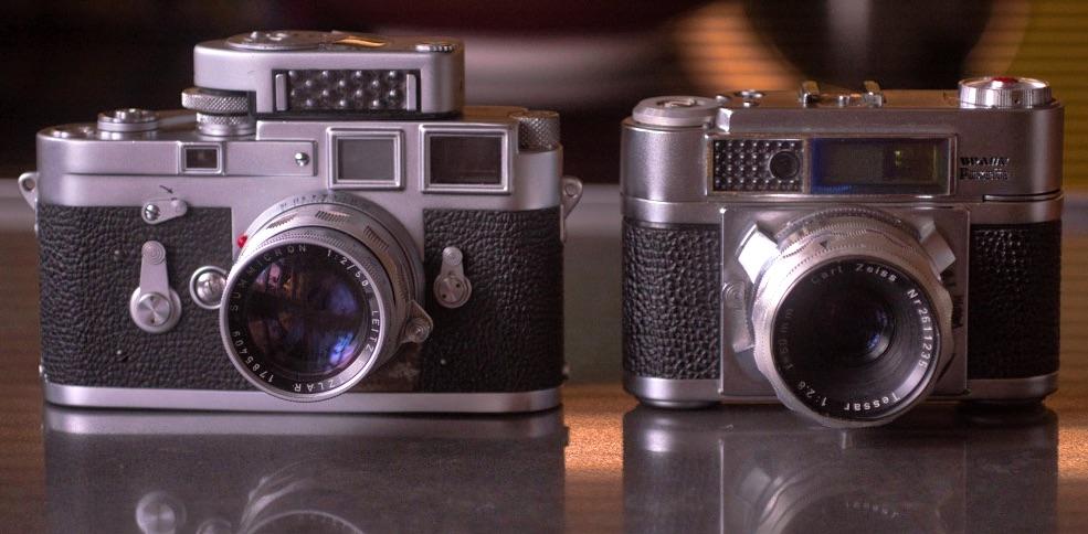 Die Paxette (rechts) und ihr Vorbild, die Leica M3